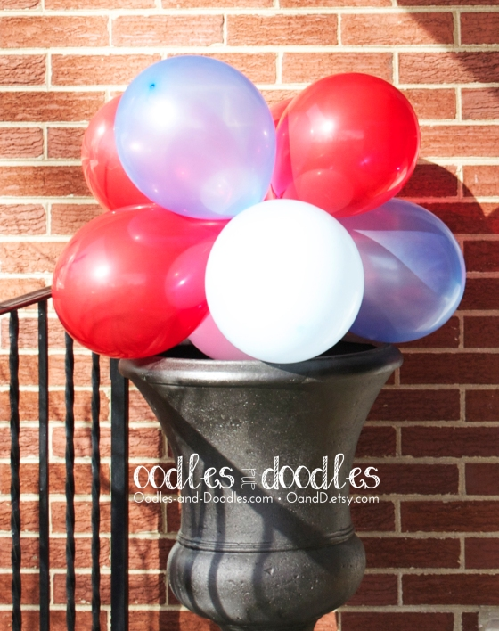 Kid's party decorations, balloon topiary for birthday, outdoor birthday decorations